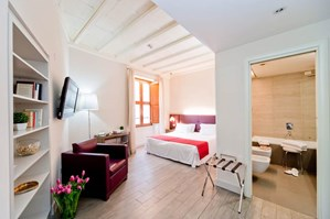 Navona Palace Luxury Inn