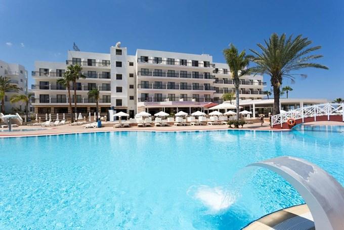 Tsokkos Protaras Beach Hotel Rooms