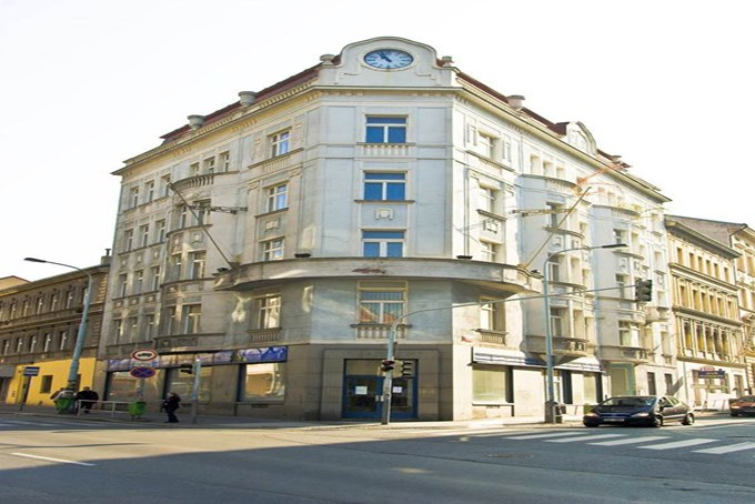 Hotel gloria prague city hotels jet2holidays for W hotel prague